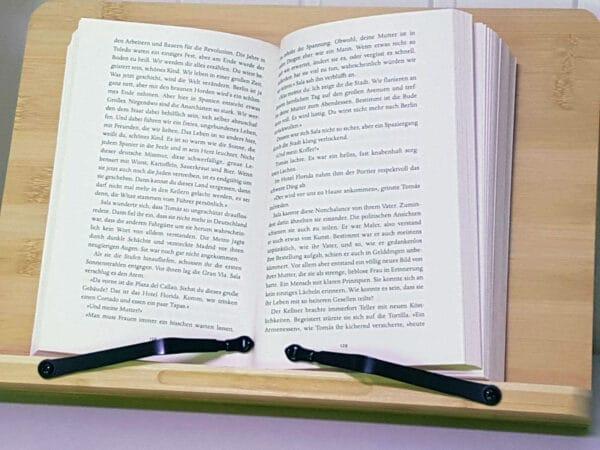 Lesepult Holz mit Buch