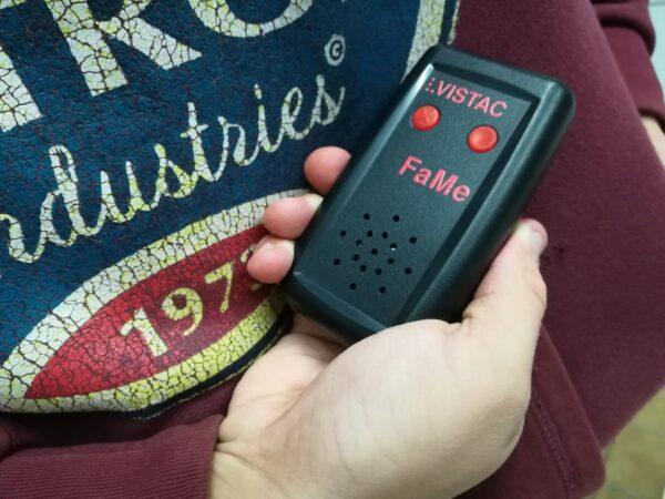 Optelec FaMe Farberkennungsgerät Anwendung