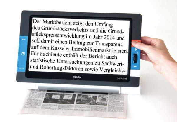 Optelec Traveller HD Zeitung lesen